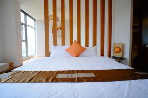 九重町客棧房間的床