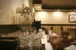 Ресторан / где поесть в Гостиница У Золотых ворот