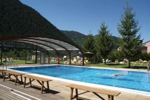 The swimming pool at or close to Hotel Montarto