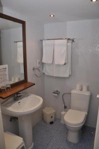 A bathroom at Tinos Beach Hotel