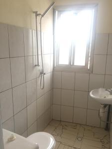 A bathroom at Ancien porte de Laquintinie