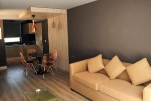 A seating area at One Nk Apartments