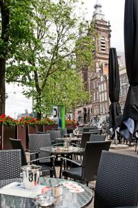 A restaurant or other place to eat at Hotel Prins Hendrik