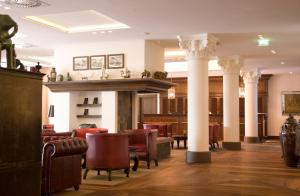 The lobby or reception area at Lindner Park-Hotel Hagenbeck