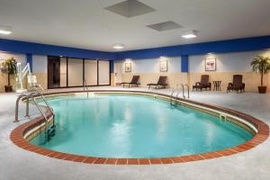 The swimming pool at or near Wyndham Springfield City Centre