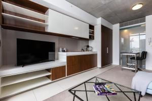 A kitchen or kitchenette at CHIC South Yarra Apartments close to Chapel St