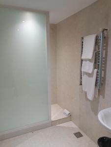 A bathroom at Hotel Fabrik