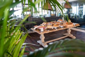 A restaurant or other place to eat at Lango Design Hotel & Spa, Adults Only