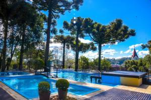 A piscina localizada em Wish Serrano ou nos arredores