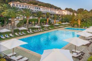 Бассейн в Formentor, a Royal Hideaway Hotel или поблизости