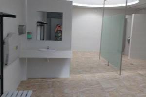 A kitchen or kitchenette at Alicante Habitación privada con baño