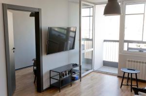 TV a/nebo společenská místnost v ubytování The Heart of Warsaw Apartment - Old Town