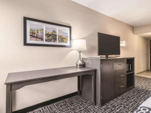 A television and/or entertainment centre at La Quinta by Wyndham Glenwood Springs
