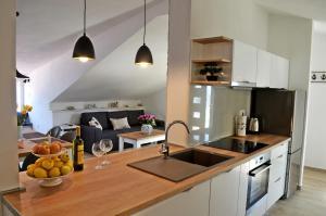 A kitchen or kitchenette at Apartment Marina
