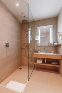 A bathroom at Mercure Sochi Centre Hotel