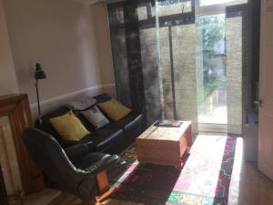 A seating area at 63 Aragon Road