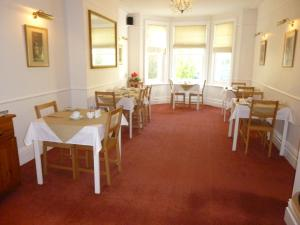 A restaurant or other place to eat at Southernhay Guest House