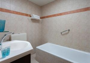 Ванная комната в The Little House In Bakah
