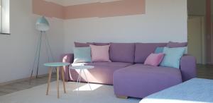 Ein Sitzbereich in der Unterkunft Ferienwohnung Viva la Vida