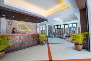 Лобби или стойка регистрации в Sungthong Kamala Beach Resort