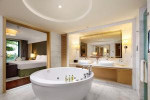 حمام في Hilton Guangzhou Science City