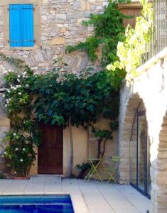 The facade or entrance of L'Autre Maison