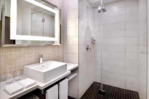 A bathroom at Four Points by Sheraton Nairobi Airport