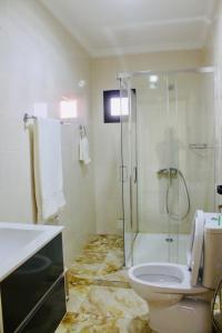 A bathroom at CasaHouse Apparts