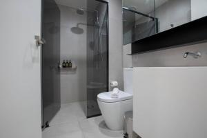 A bathroom at 91*Cozy One Bedroom Inner City Apartment