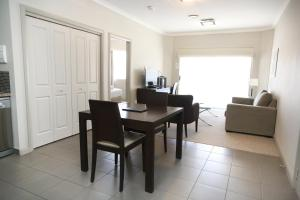 A seating area at Centrepoint Apartments Griffith