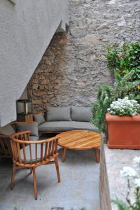 A seating area at Bella Vacanza Limone