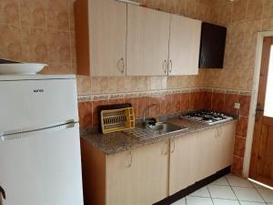 A kitchen or kitchenette at Martil Mixta Safia
