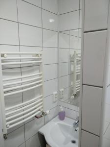 Un baño de Casa Sforii Brasov