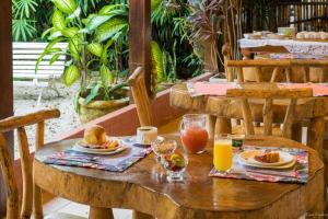 Opções de café da manhã disponíveis para hóspedes em Pousada Acquarela