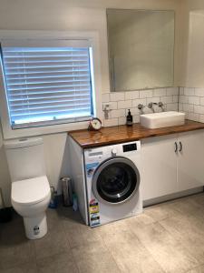 A bathroom at Apartment 5ive