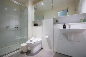 A bathroom at 62*Green Wood*Lv21@1bd1bth*Close to Mel CBD*