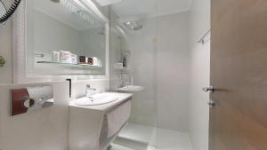 A bathroom at Historic Boutique Hotel Cattaro