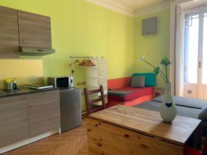 Cucina o angolo cottura di Milano Centrale B&B monolocale-studio