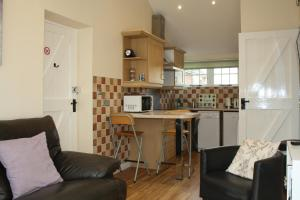A kitchen or kitchenette at The Rectory Lacock