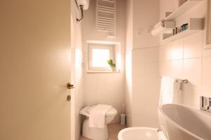 A bathroom at Principessa Trevi