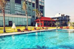 The swimming pool at or near Central Hotel Thanh Hoa
