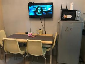 TV/Unterhaltungsangebot in der Unterkunft 1 bedroom, 4 guests near SM North Grass Res NOTE MONTHLY RENTAL ONLY
