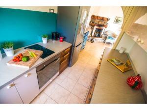 A kitchen or kitchenette at Villa Mikula