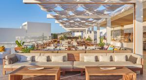 Restaurant ou autre lieu de restauration dans l'établissement Viceroy Los Cabos