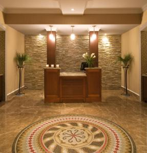 The lobby or reception area at Inn By the Sea