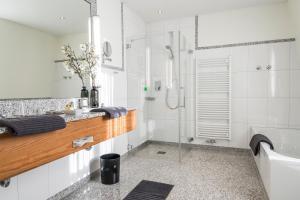 Ein Badezimmer in der Unterkunft Landhaus Lellichow