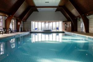 The swimming pool at or near Mercure Hull Grange Park Hotel