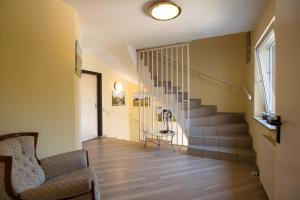 Ein Sitzbereich in der Unterkunft Land-gut-Hotel BurgBlick