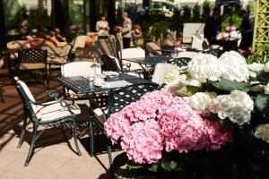 InterContinental - Kyivにあるレストランまたは飲食店
