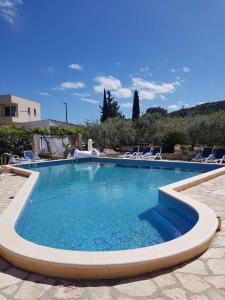 The swimming pool at or close to PERE